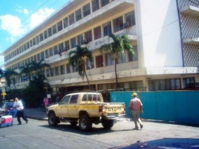 20110221002008-hospital-escuela.jpg
