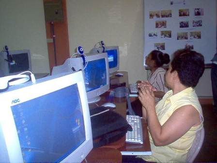 20110221020152-internet.jpg